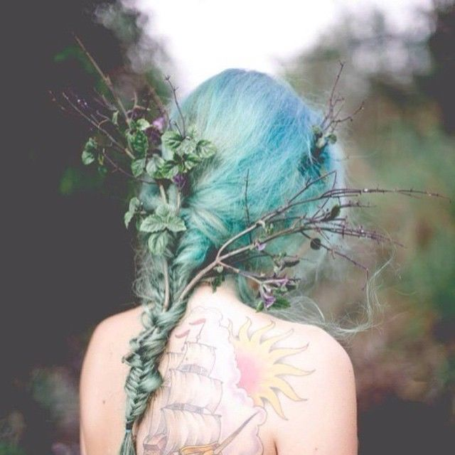 163170-Blue-Hair-With-Flowers